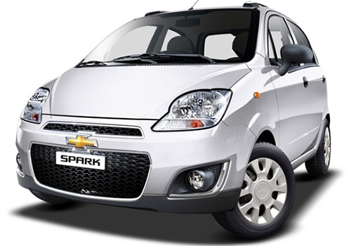 Chevrolet Spark Summit White Color