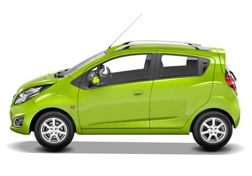Chevrolet Beat Green Color Pictures