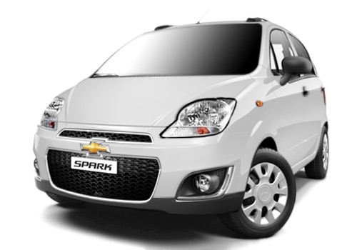 Chevrolet Spark Summit White Color