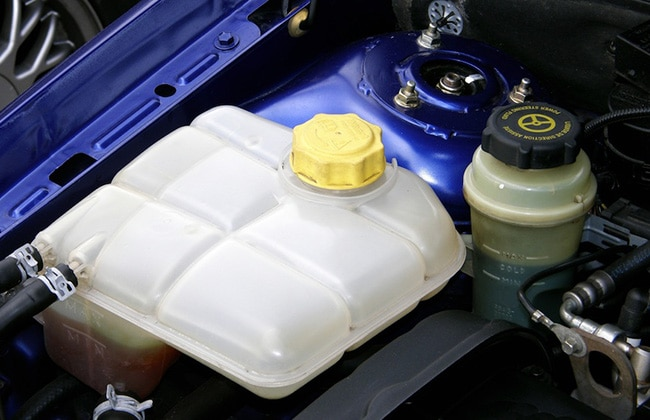 Low Brake Fluid >> How to check fluid levels in your car | Lubricant ...