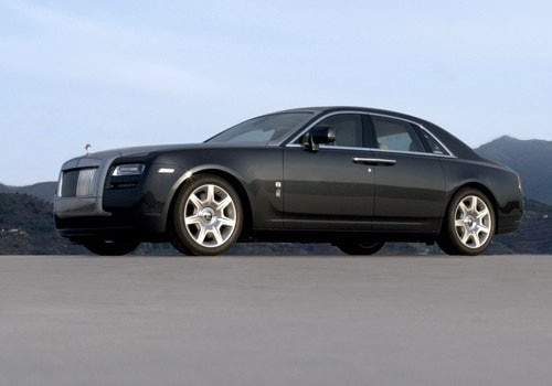 Rolls-Royce Ghost - Front Angle Low View Exterior Photo