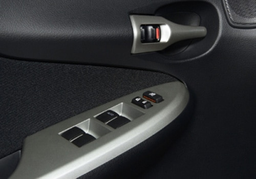 Toyota Corolla Altis - Driver's Side Inside Door Control Interior Photo