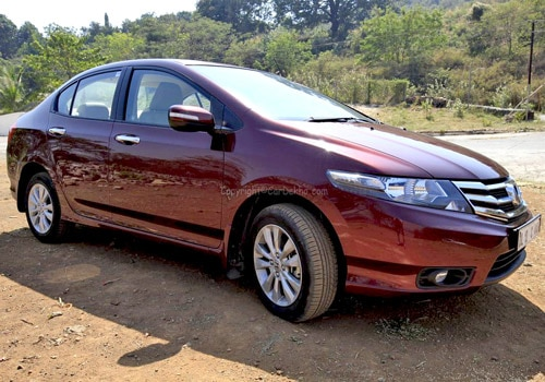 http://images.cardekho.com/images/road-test/Honda-City-1.5/Honda-City52.jpg