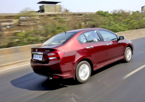 http://images.cardekho.com/images/road-test/Honda-City-1.5/Honda-City58.jpg