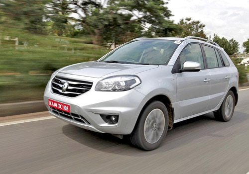 renault koleos dci 4x4 expert review renault koleos dci 4x4 first drive. Black Bedroom Furniture Sets. Home Design Ideas