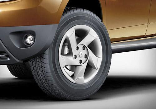 Renault Duster Petrol RxE Image