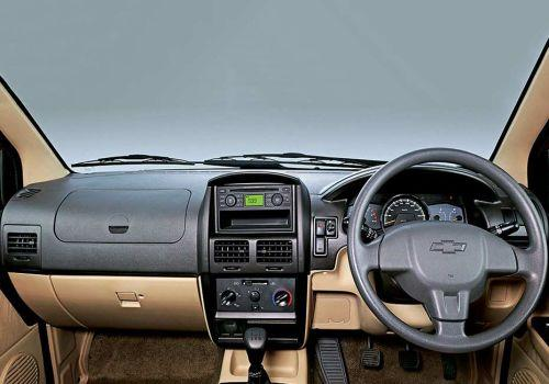 Chevrolet Tavera Neo 3 9 Str BSIII Image