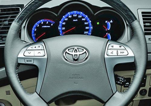Toyota Fortuner 4x2 Manual Image