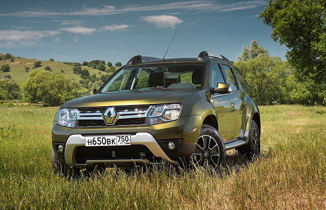 2015 India-bound Renault Duster front view