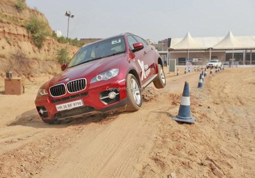 BMW క్స౫