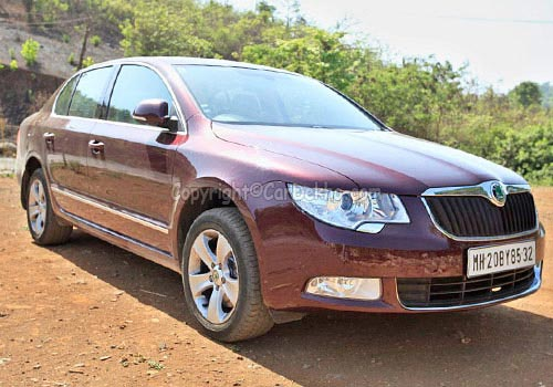 skoda superb ambition tdi cr superbly affordable. Black Bedroom Furniture Sets. Home Design Ideas