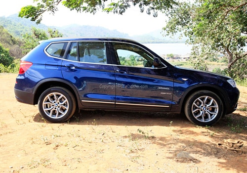 Bmw X3 Xdrive 30d Let The Sun Shine Cardekho Com